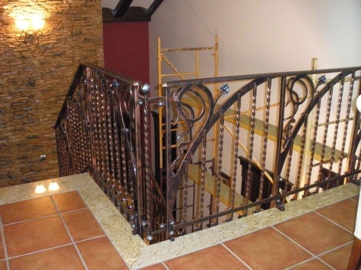 Puertas rejas balcones barandas verjas fundacons y for Barandas para terrazas